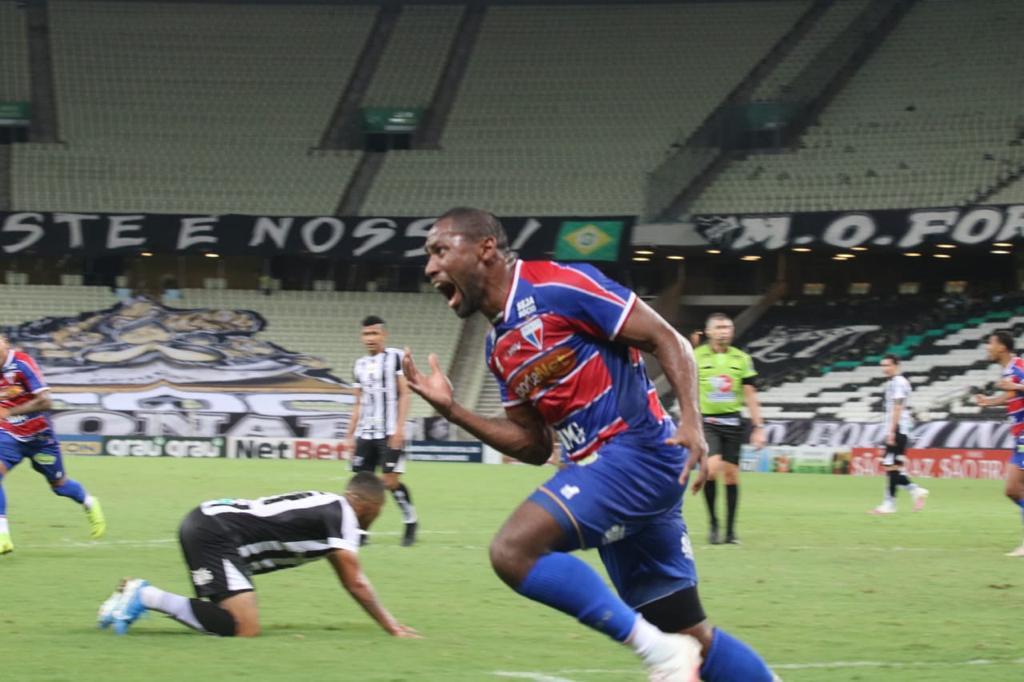 Fortaleza vence primeiro jogo da final do Campeonato Cearense com gols de Bruno Melo e Tinga