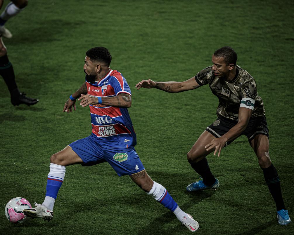 Atacante Romarinho completa 100 jogos vestindo camisa do Fortaleza